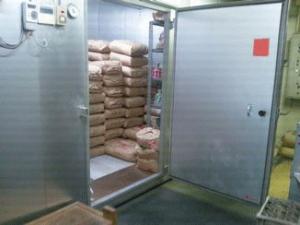 玄米の保管庫(中身)