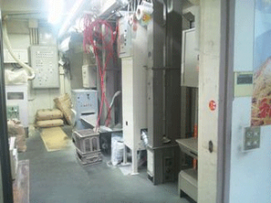 玄米を精米するための機械